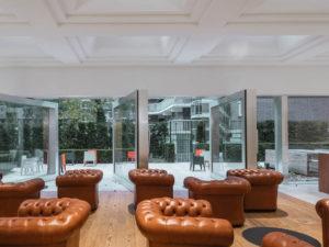 interieur met zicht op de tuin ontwerp kaan architecten