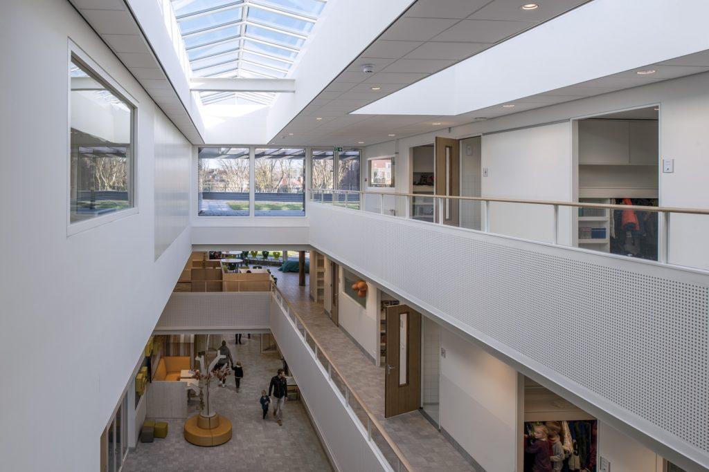 interieur met atrium basisschool ontwerp HVE architecten