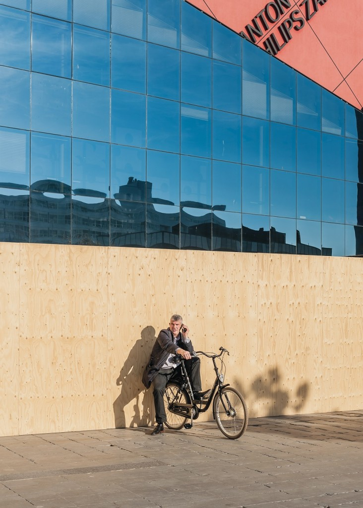 stadhuis_den-haag_fietser_©_kim-nuijen_1