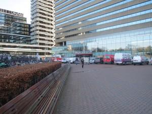 Koningin Julianaplein met entree Den Haag Centraal