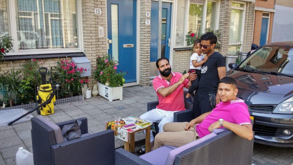 banken op straat in de Schilderswijk