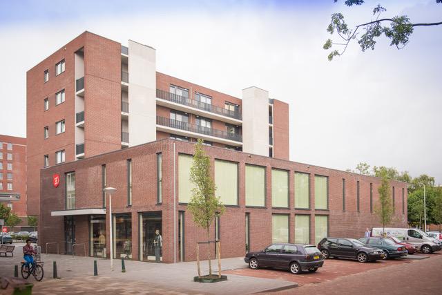 buurtwinkelcentrum ambachtsgaarde ontworpen door MBW architecten