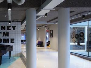 interieur Student Hotel Den Haag transformatie door HVE Architecten