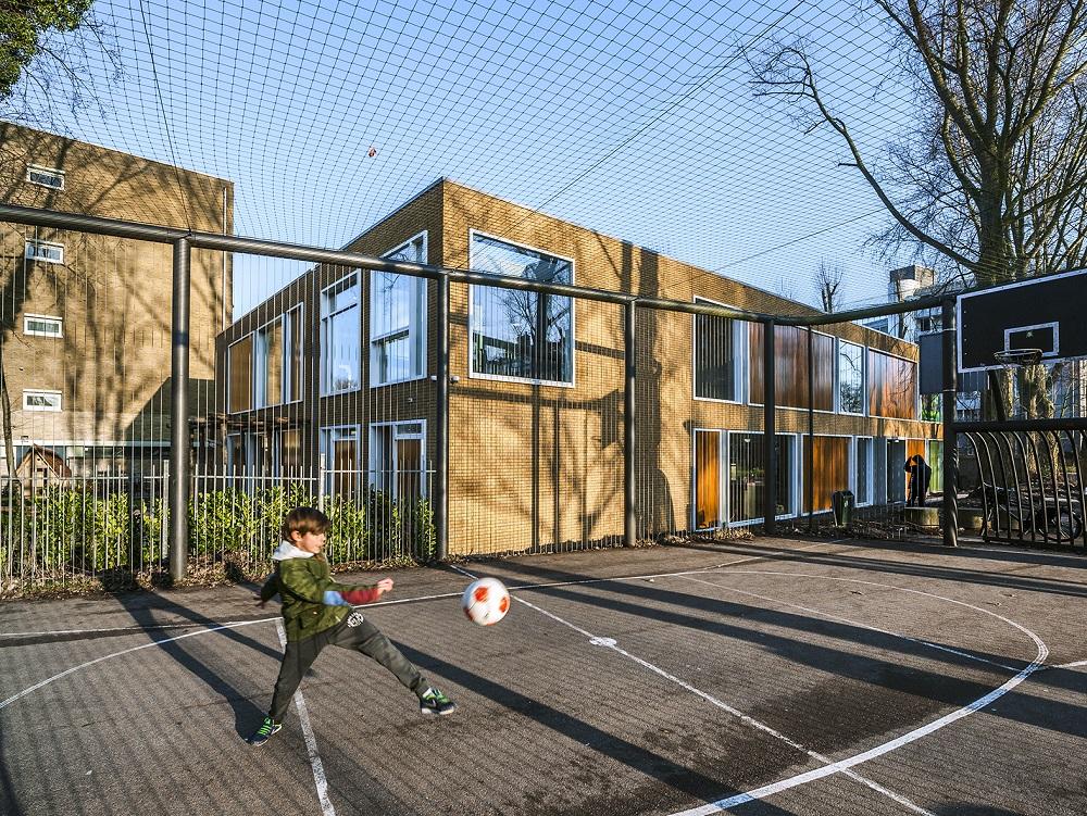 gevel kinderdagverblijf naast de Europese school