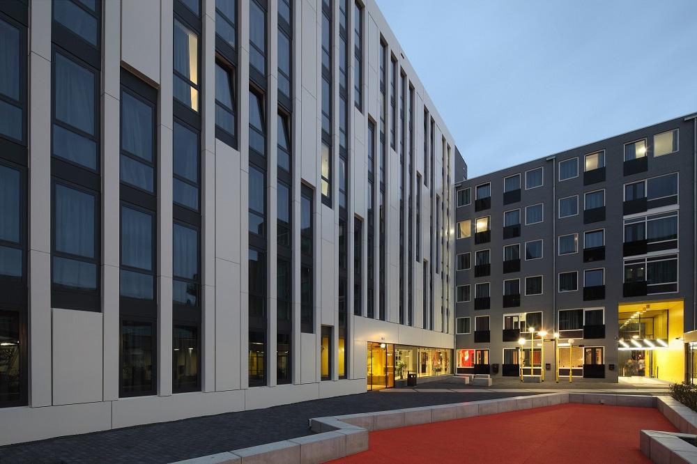 binnenhof the student hotel den haag door hve architecten