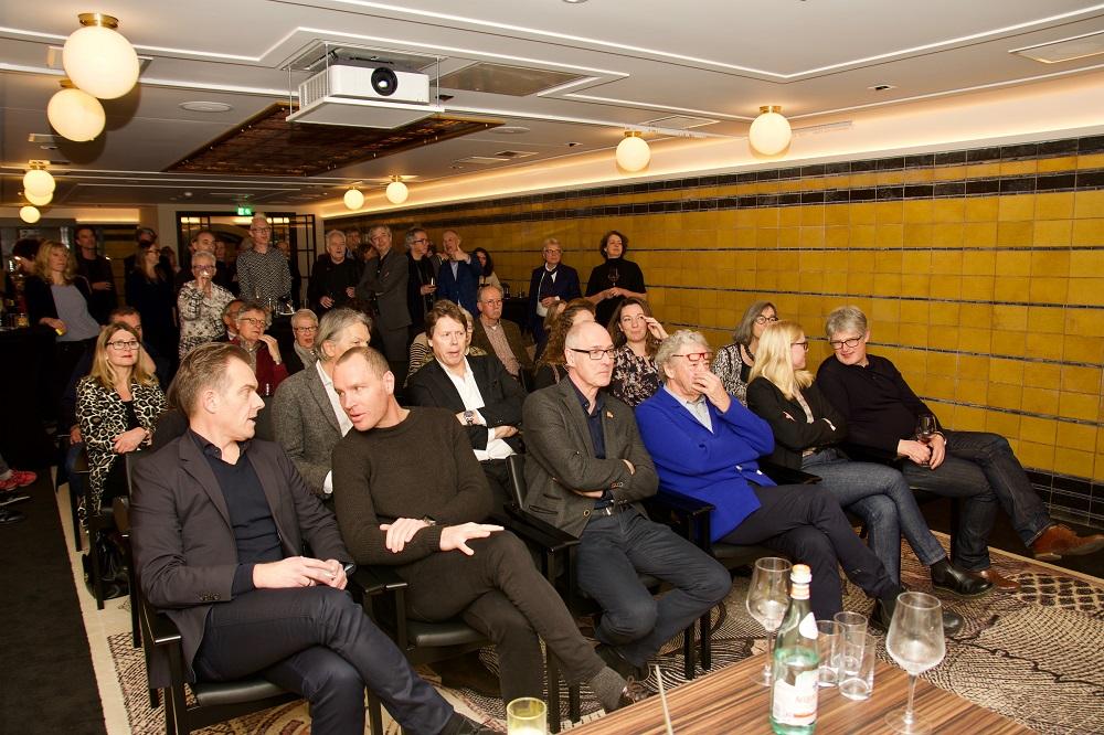 publiek tijdens uitreiking architectuurprijs den haag nieuwe berlagevlag