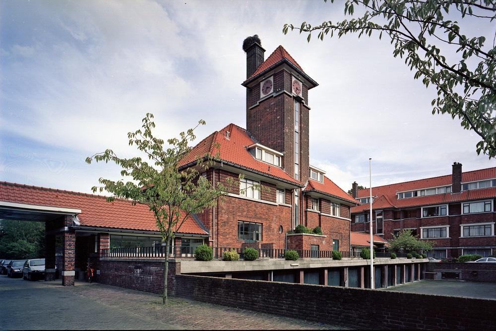 woonhotel in Nieuwe Haagse School architectuurstijl